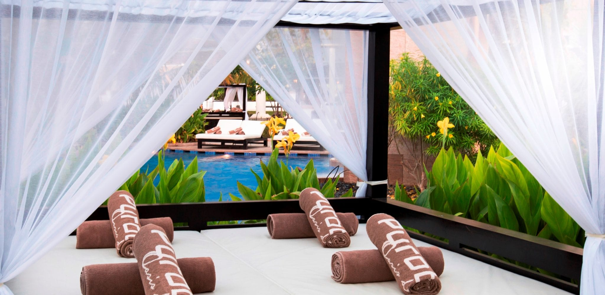 Reserve Your Cabana at These Poolside Retreats