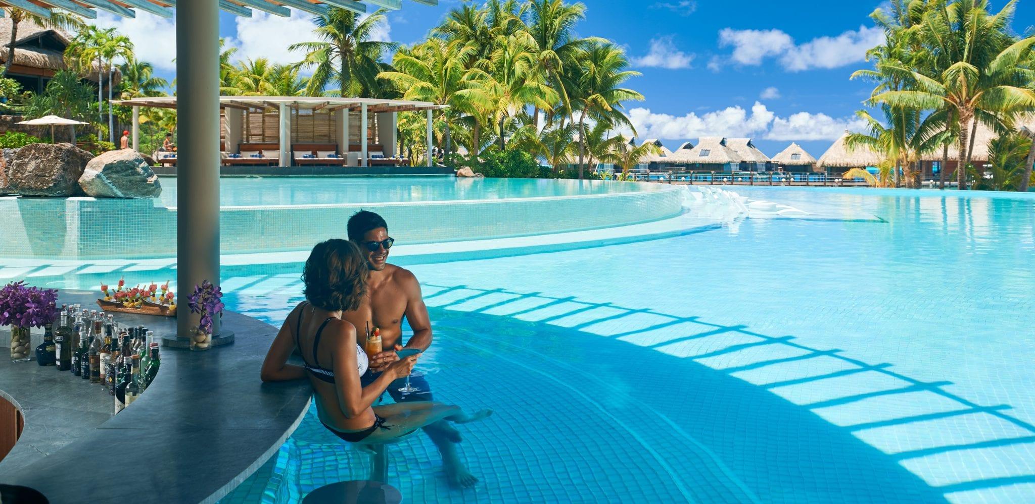 Five Extraordinary Poolside Bars