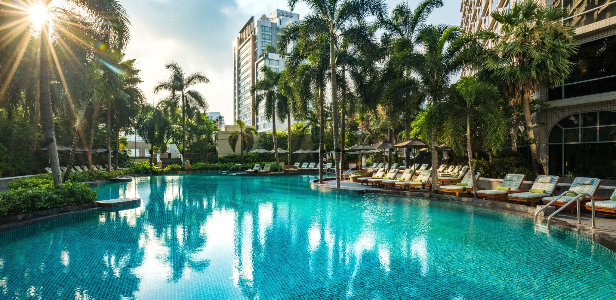 Conrad Bangkok pool